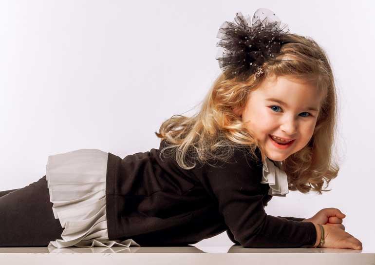 bambina modella futura