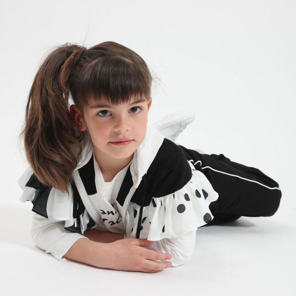 bambina e modella